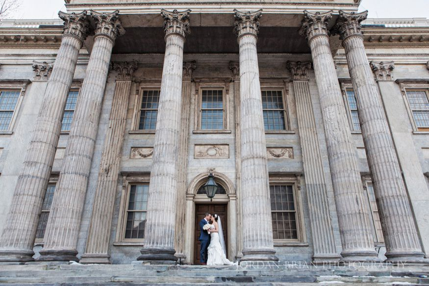 Bride & Groom photo at first bank of the united states Philadelphia