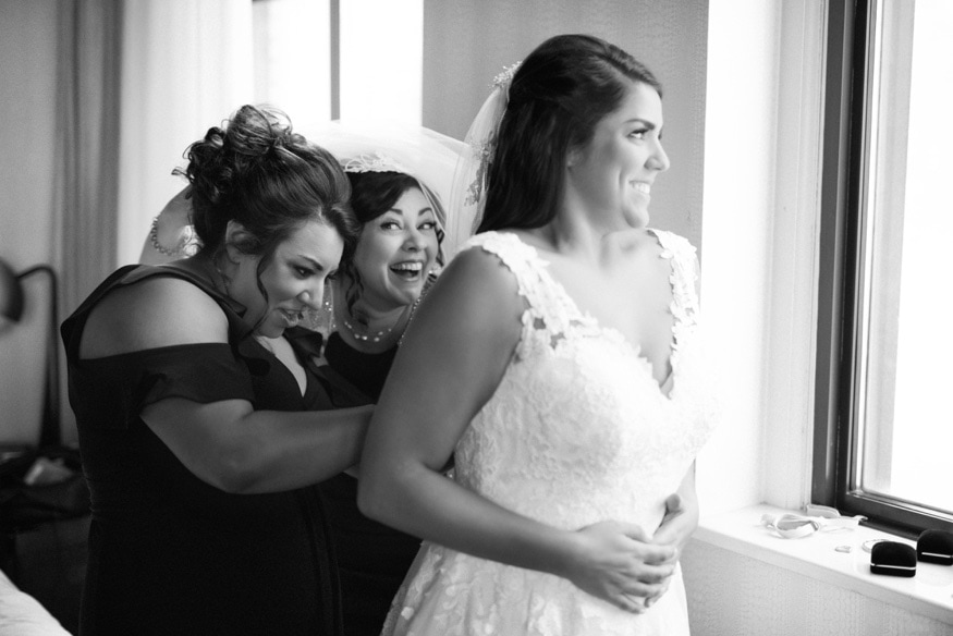 Bride getting ready at the Notary Hotel in Philadelphia.