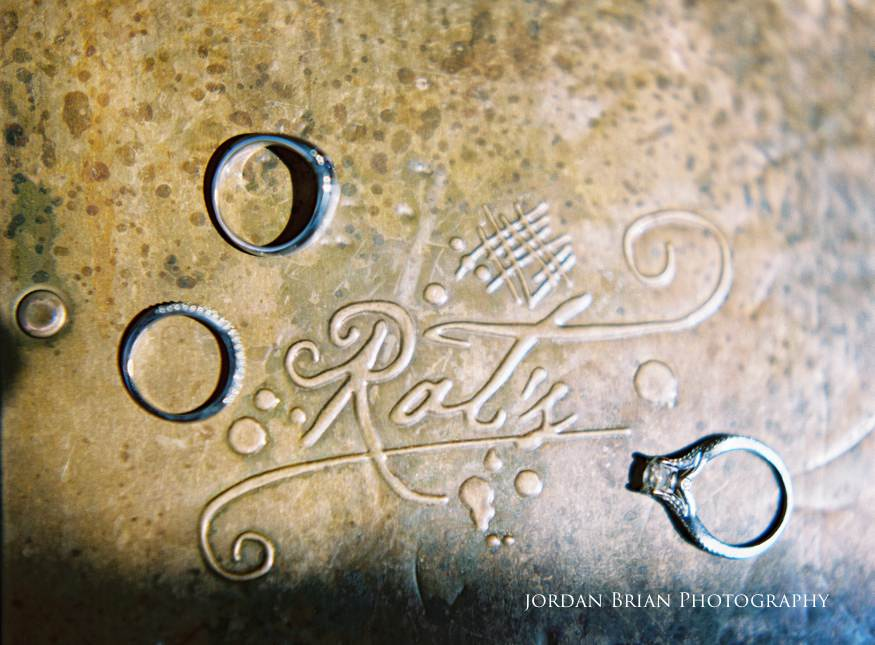 wedding bands photos on Rat's restaurant logo
